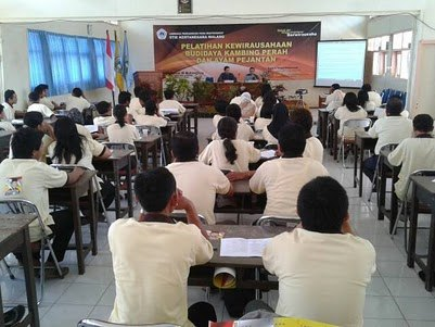 gal16-10-2011STIE KERTANEGARA MALANG KEWIRAUSAHAAN