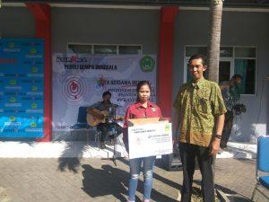 """Pemberian Bantuan """" di Palu dan Donggala Sulawesi Selatan"""". Oleh Ketua STIEKMA"""